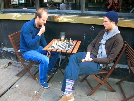 playing_chess1